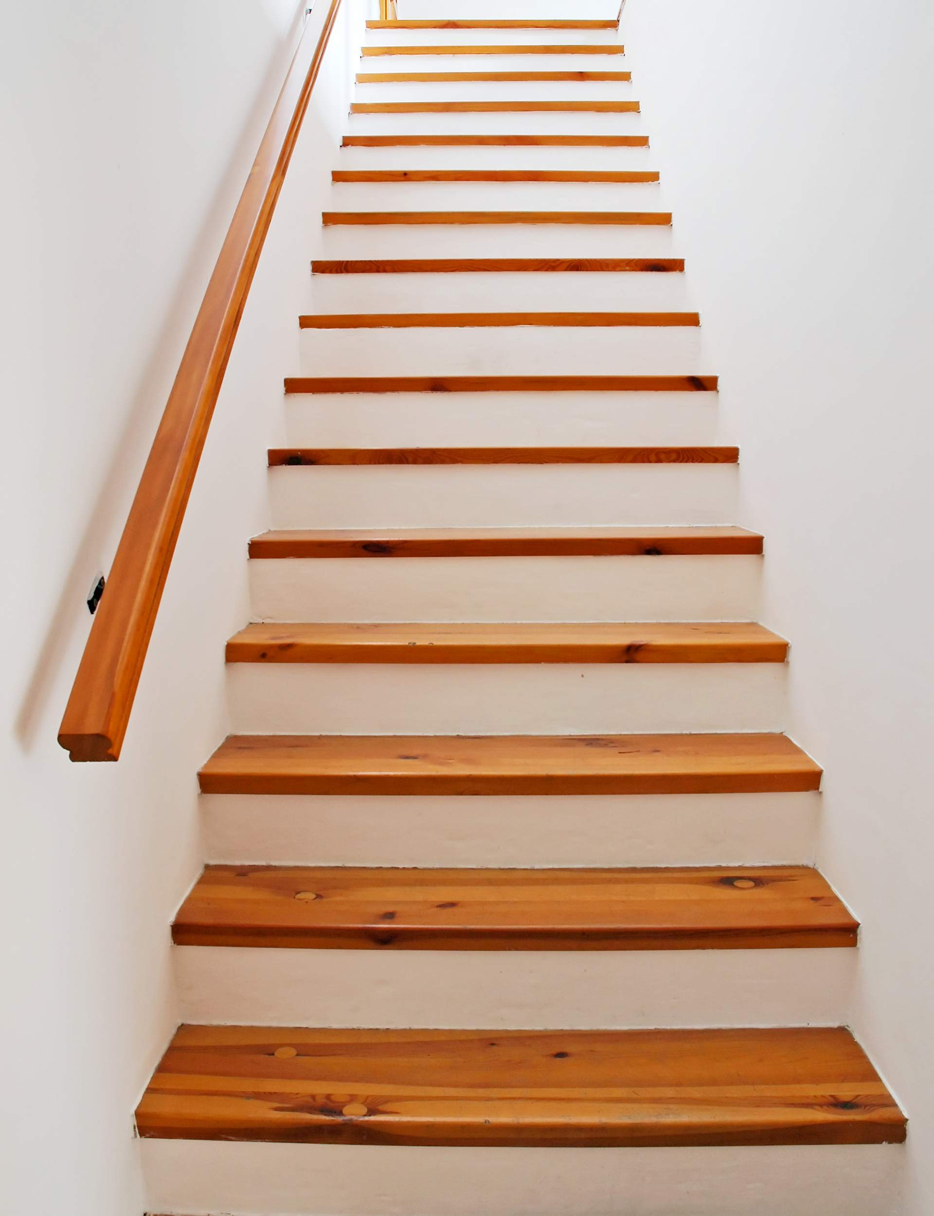 David gilbert escaliers 100 bois photos - Escalier helicoidal en bois ...