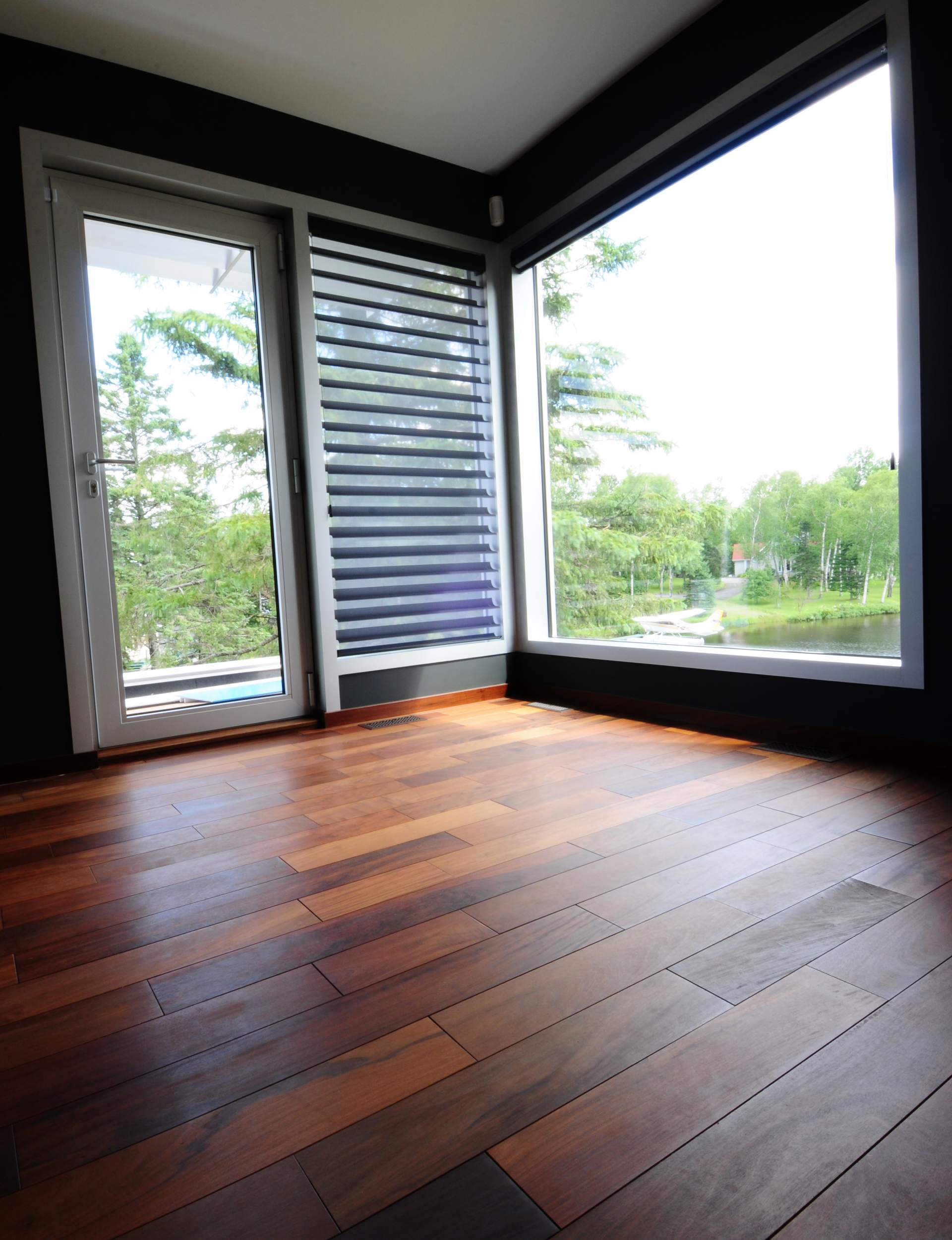 david gilbert plancher standard photos. Black Bedroom Furniture Sets. Home Design Ideas