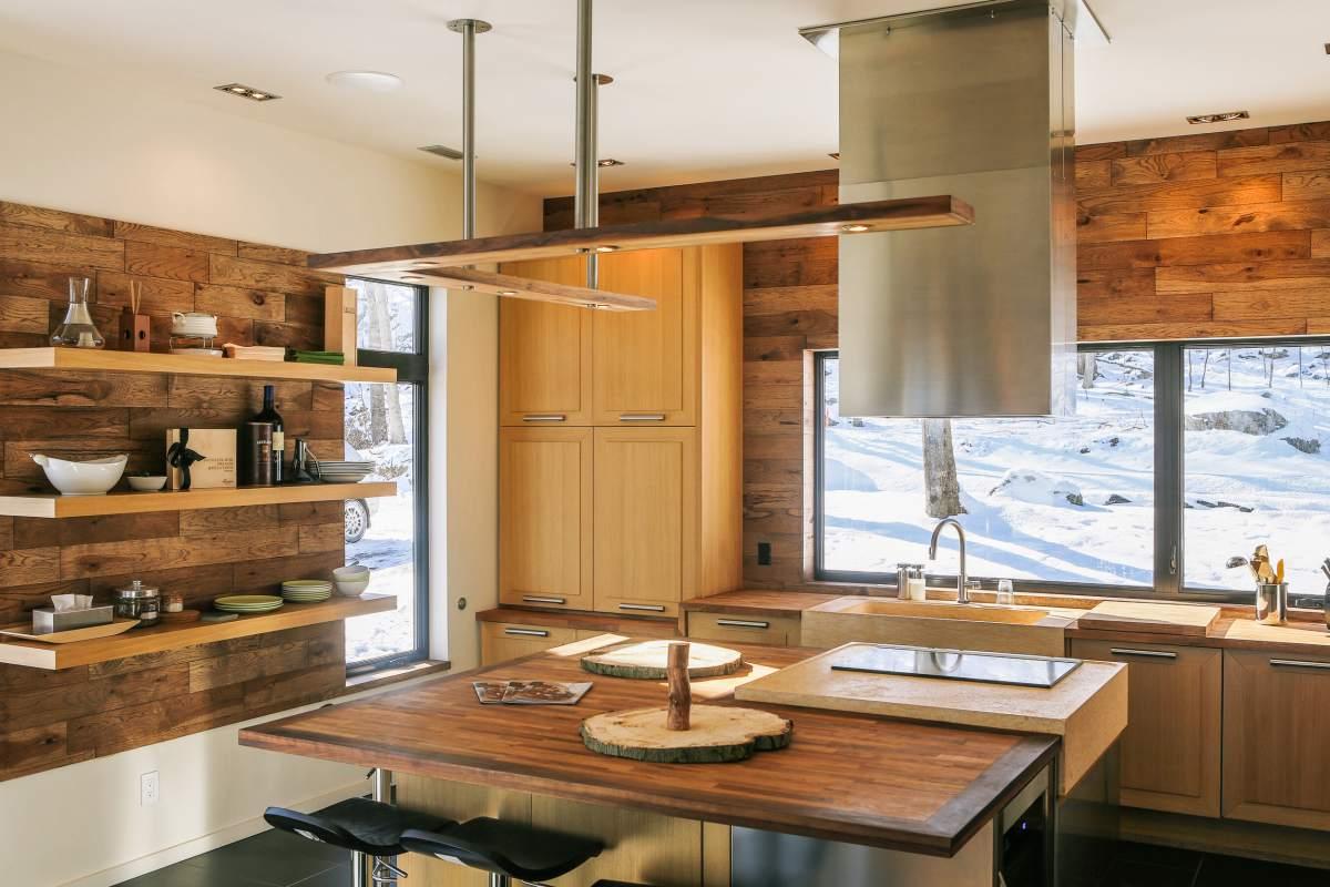 revetement mural bois interieur latest revtement mural bois ou pierre ides de dco naturelle. Black Bedroom Furniture Sets. Home Design Ideas